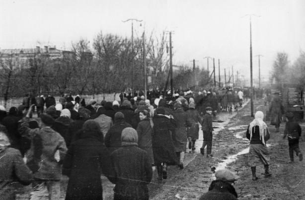 после окончанияночной смены. г. Чапаевск. 9 мая 1945 г. Стрельников Виктор Тимофеевич