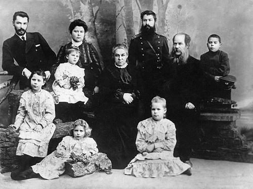 семья кадомцевых